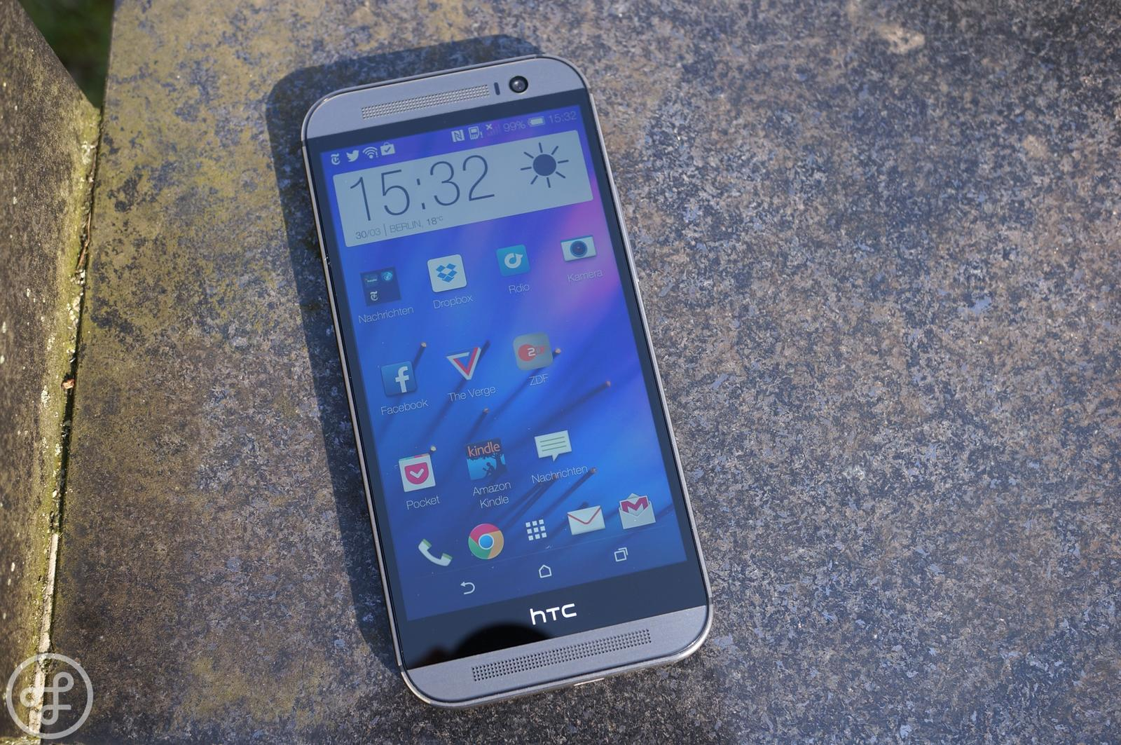 HTC One M8 Closer