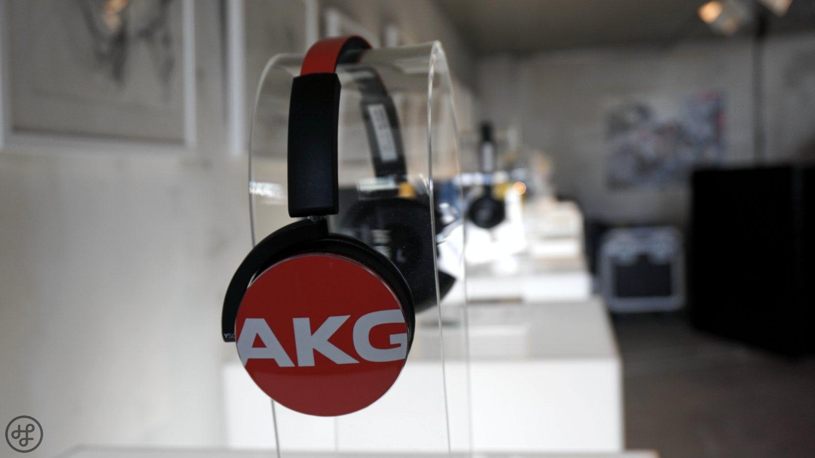 AKG Y50 02