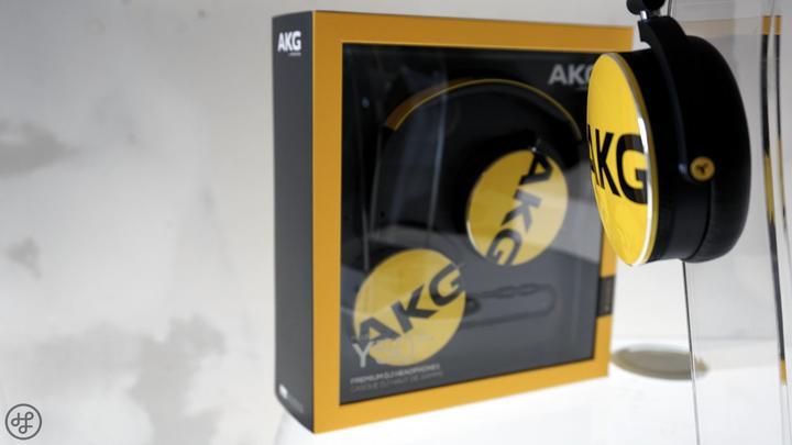 AKG Y50 03