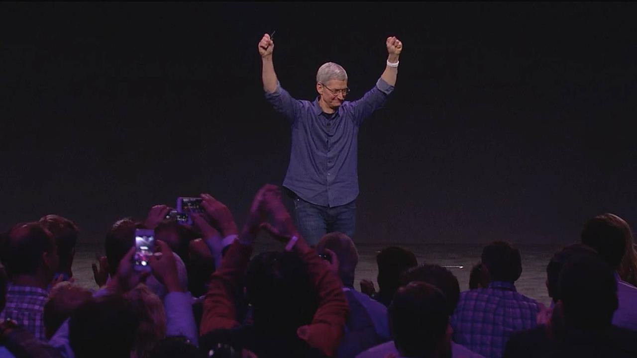 Tim Cook lead