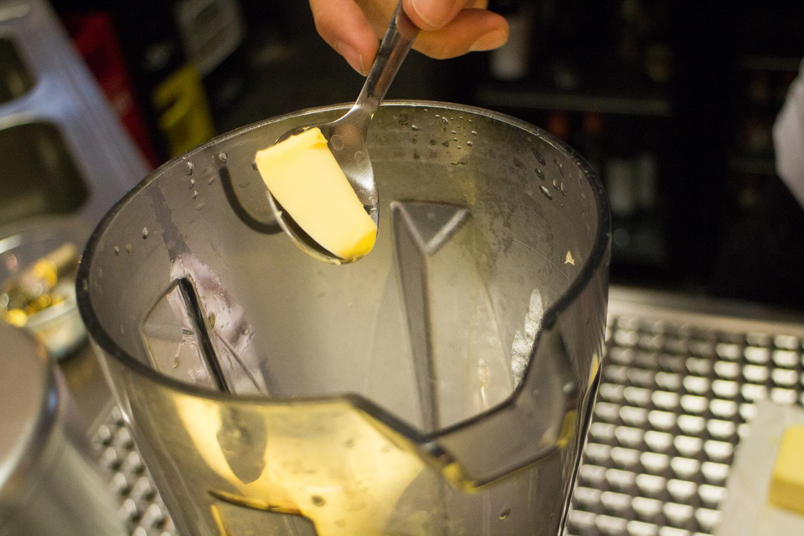 Butter in den Blender
