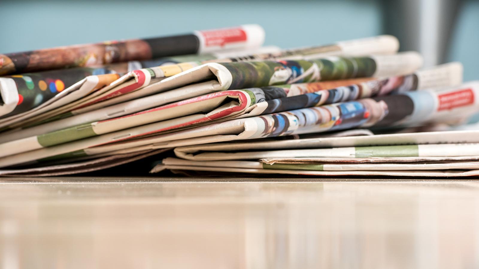 Zeitungsstapel Leseliste 04 Oktober 2015