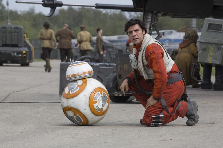 Star Wars Episode 7 BB8 und Oscar Isaac
