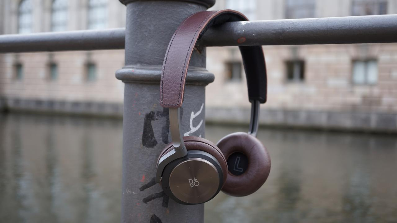 Beoplay H8 lead