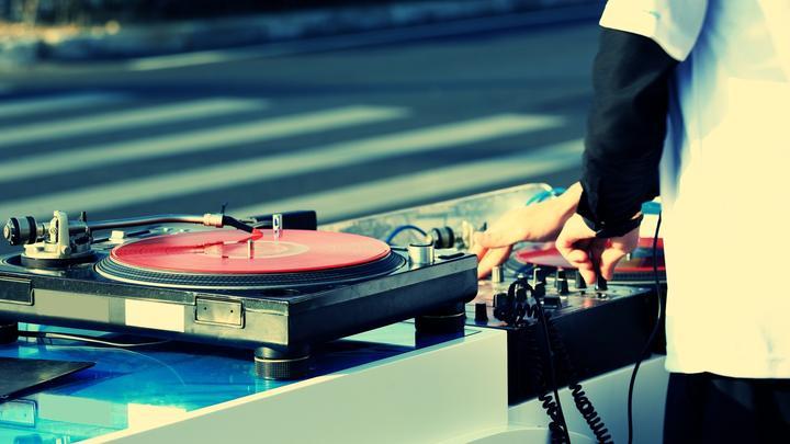 DJ-Mixer-Shutterstock-Leseliste