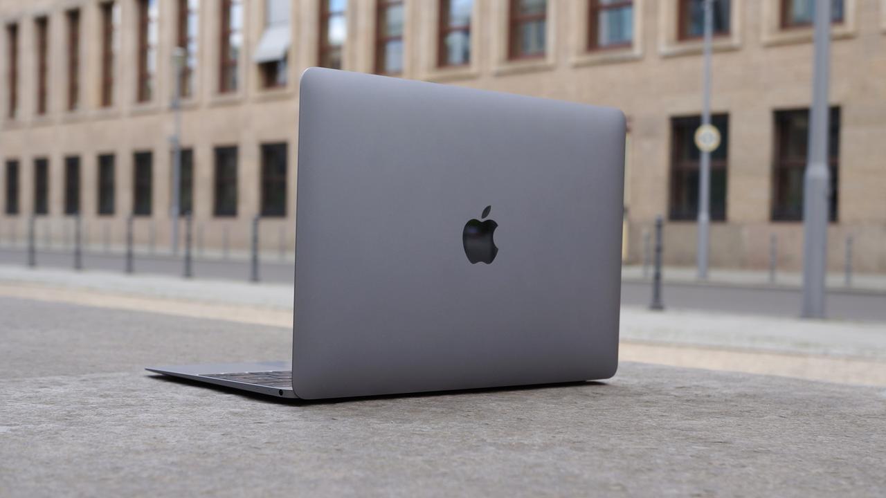 MacBook Review lead