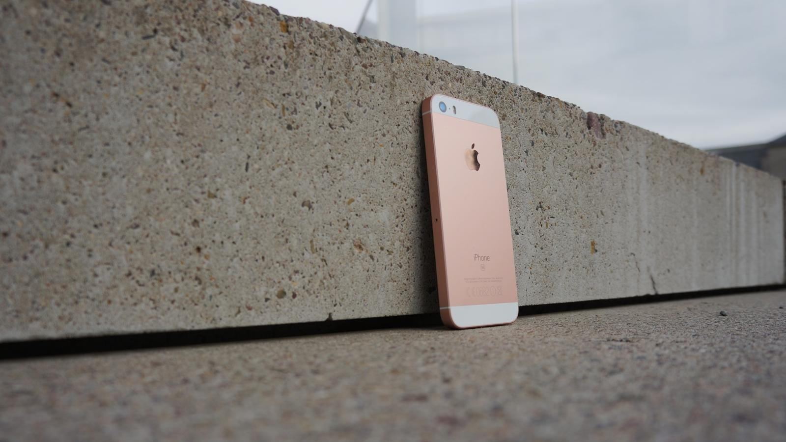 iPhone SE Review 08