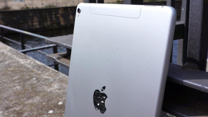 "iPad Pro 9,7"" 03"