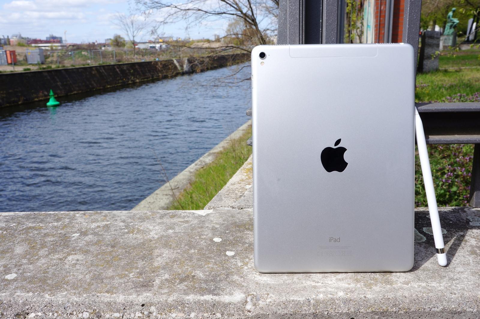 """iPad Pro 9,7"""" lead full"""
