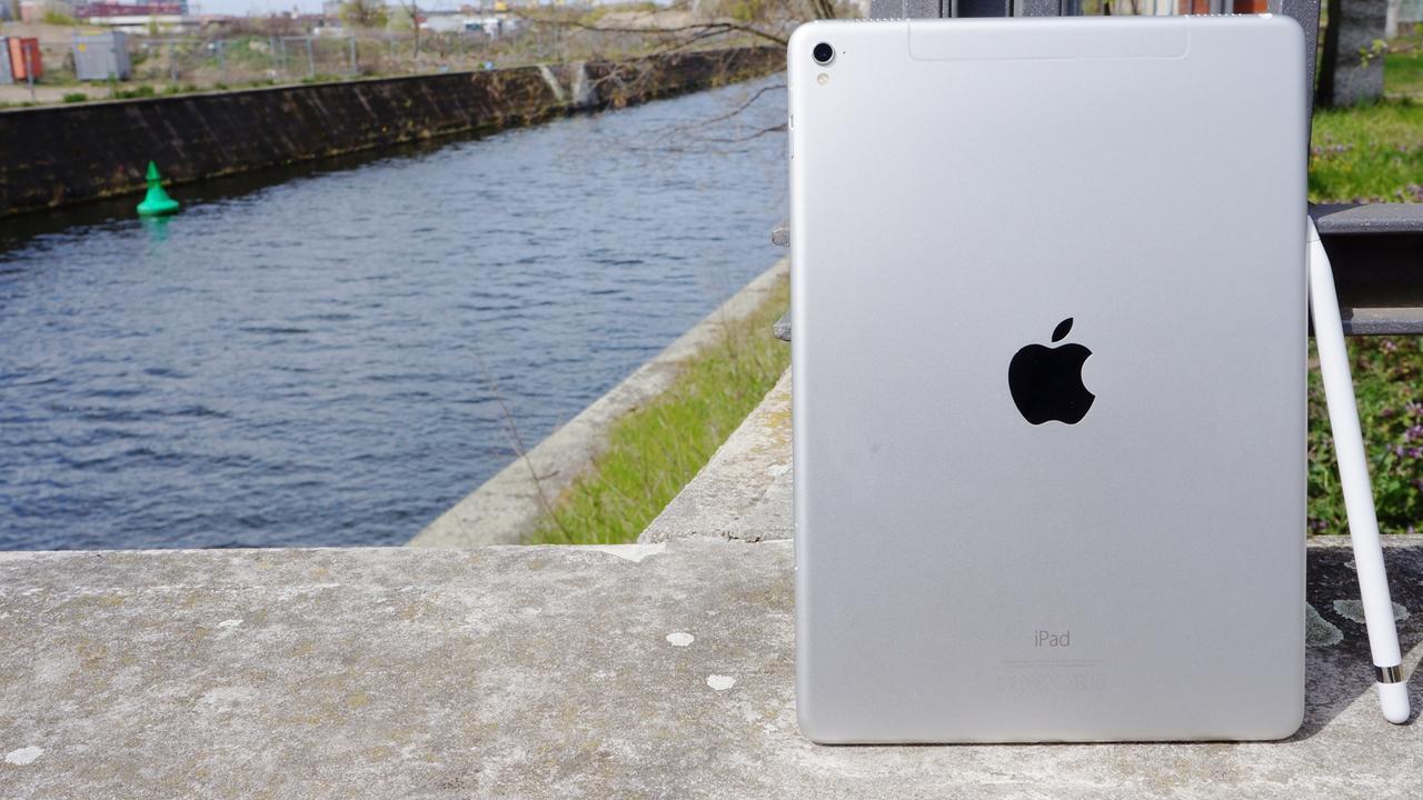 """iPad Pro 9,7"""" lead"""