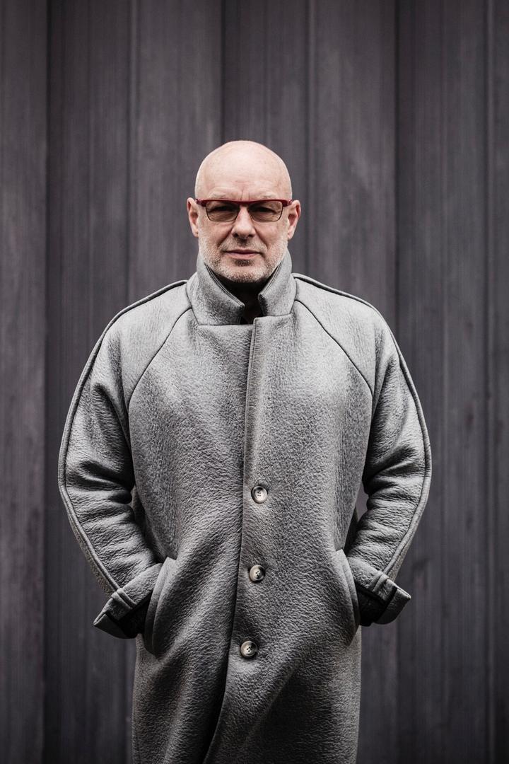 Brian Eno Portrait 01