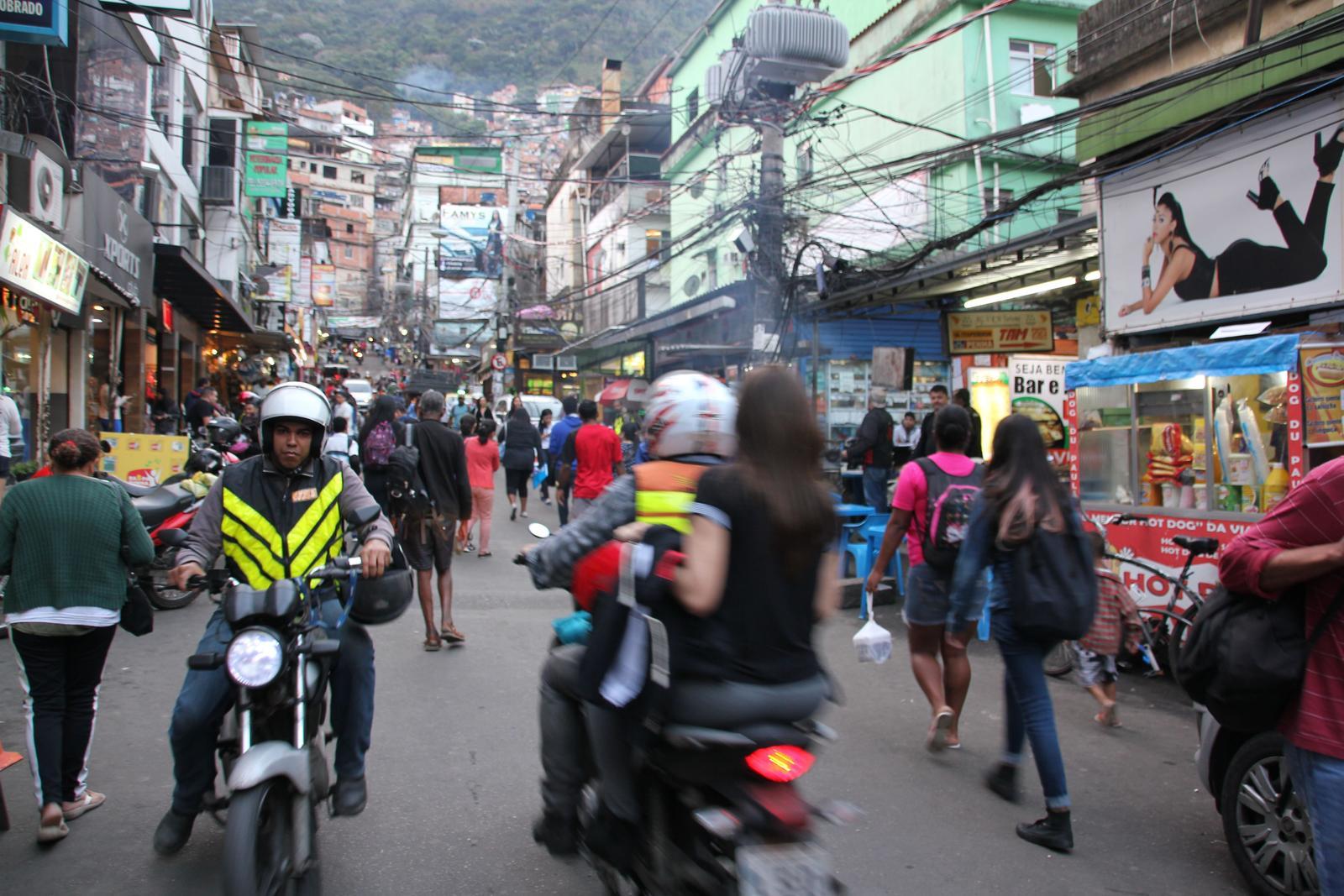 Rio 2016 rocinha mototaxis