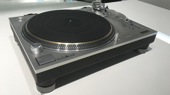 Technics Plattenspieler LL 08012017