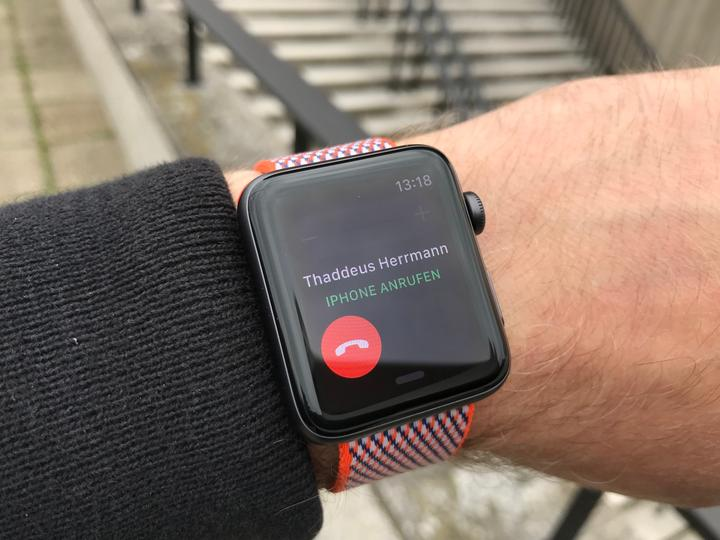 Review Apple Watch Series 3 Closeup 04