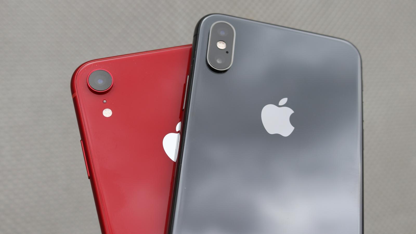 iPhone XR 06