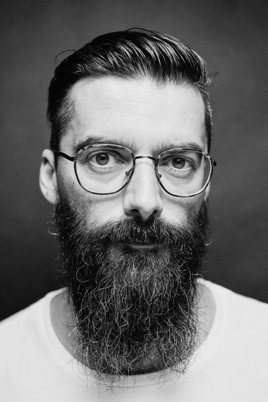 Ivkovic Portrait hoch 2