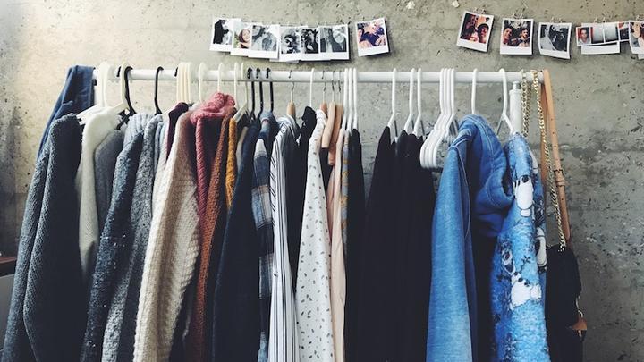 LL25022018 Kleidung