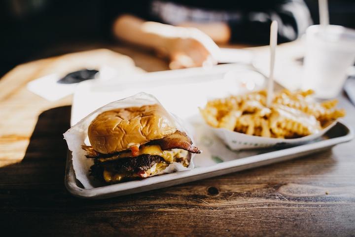 LL25032018 Burger