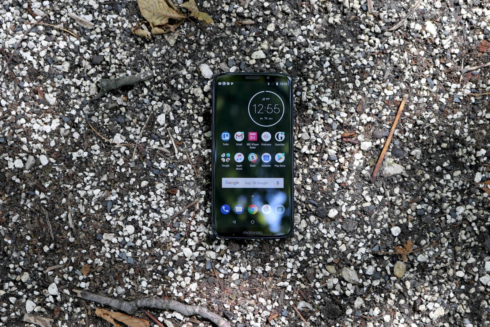 Moto Z3 Play 02