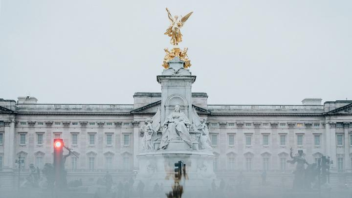 LL-Buckingham Palace