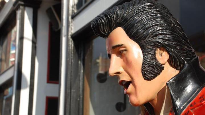 Fake Elvis LL060119