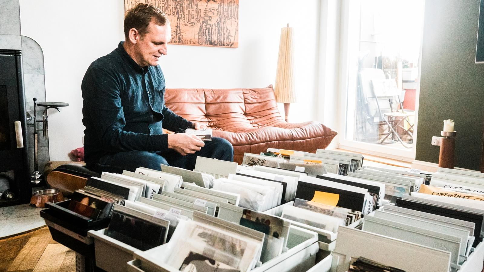 """""""Das war unser Woodstock!"""" - Die Zeitmaschine Tilman Brembs über das wahrscheinlich größte Techno-Fotoarchiv der Welt"""