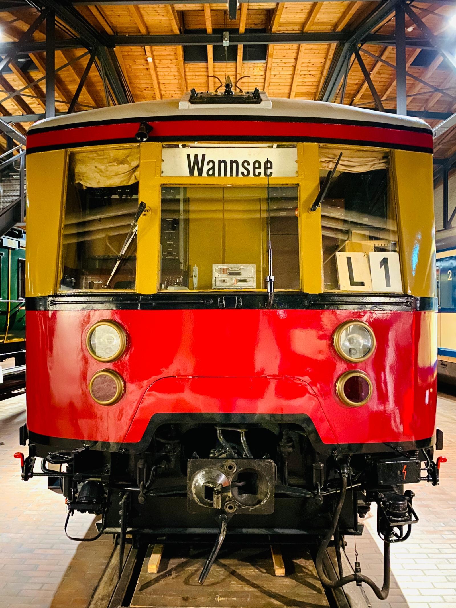 Berliner S-Bahn-Zug im Deutschen Technikmuseum iPhone 11 Pro Max