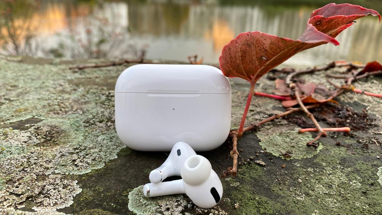 Review Apple AirPods Pro lede