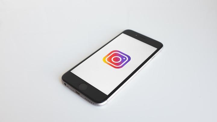 Instagram Handy