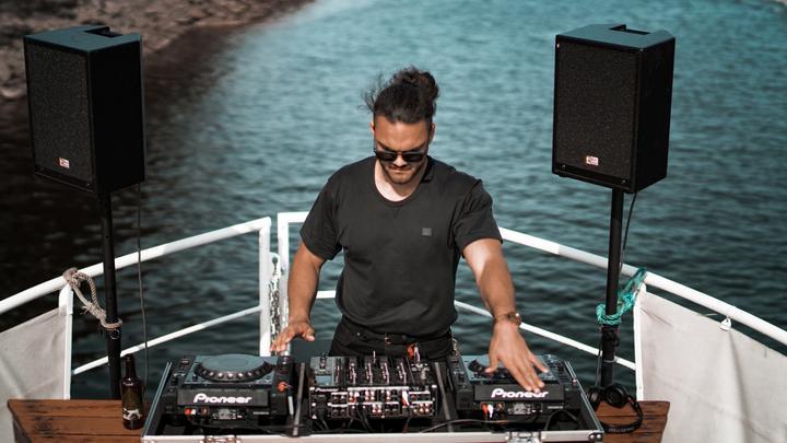 LL-21072019-DJsStreaming