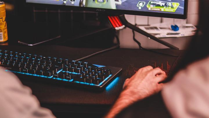 Gaming LL24052020
