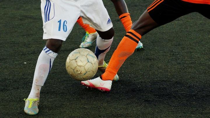 LL2806 Fußball