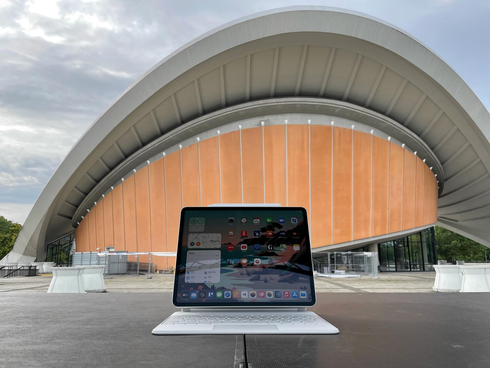 iPad 2021 Review full lede