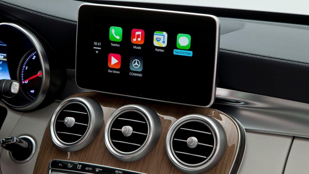 CarPlay Benz Lead