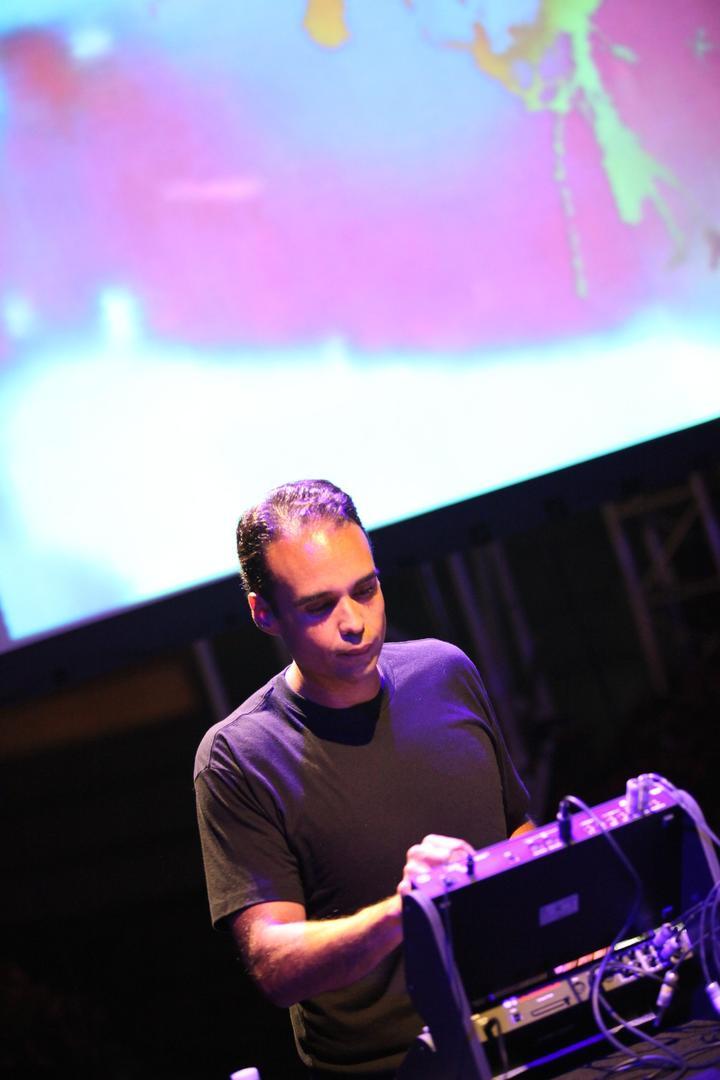 John Tejada Live 02