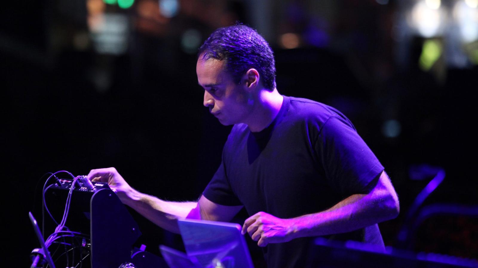 John Tejada Live 03