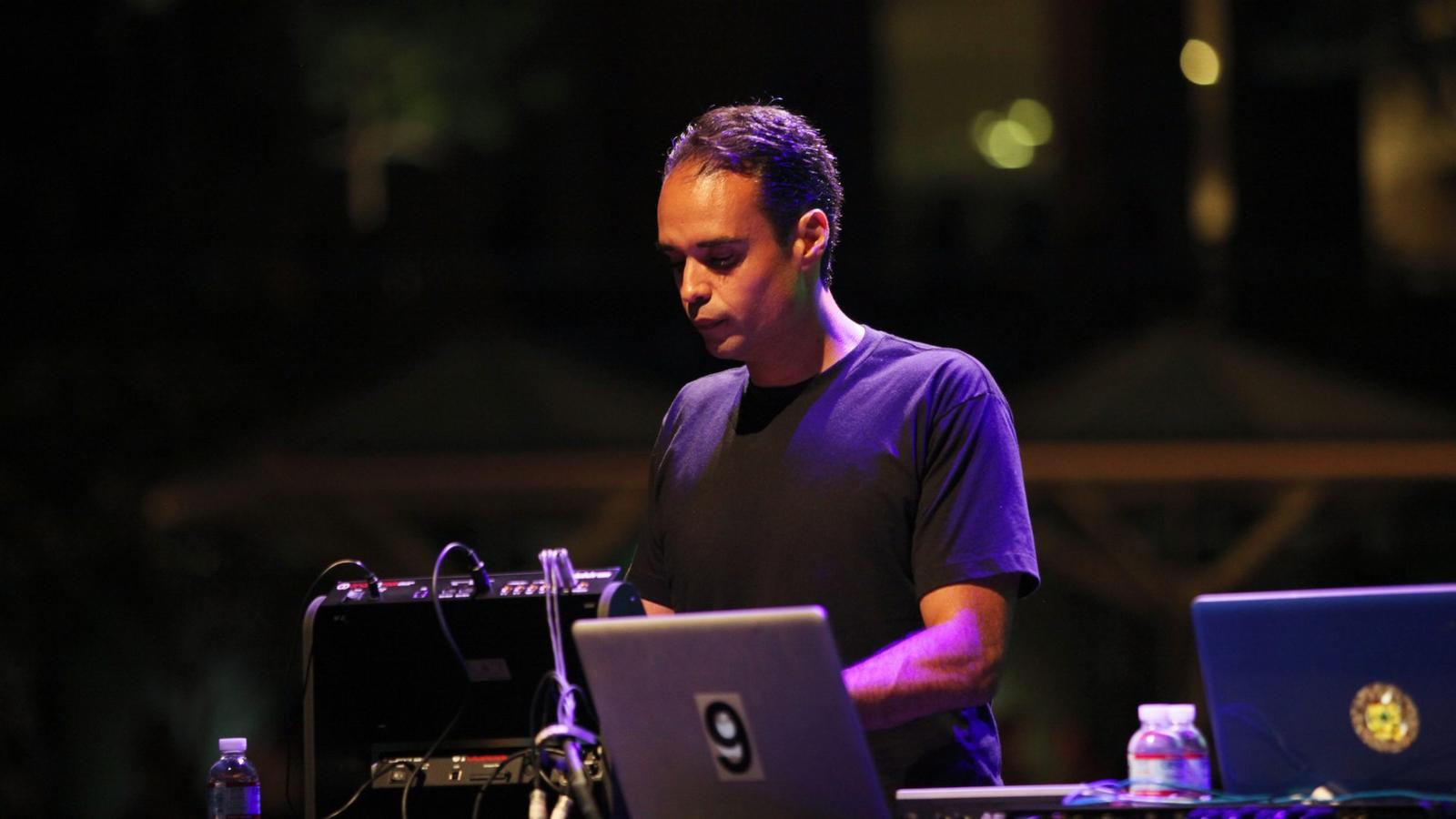John Tejada - Live